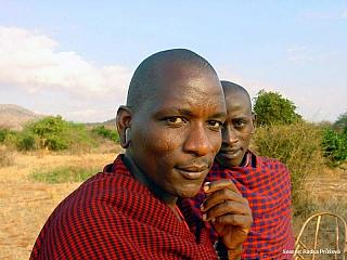 VKeni žije na 580 tisících kilometrech čtverečních zhruba čtyřiačtyřicet milionů obyvatel. Sousedé Keni jsou Uganda, Jižní Súdán, Etiopie, Somálsko a Tanzanie. Doménou Keni a turistickým lákadlem číslo jedna je především tamní příroda – tolik národních parků stak unikátními armádami zvířat asi...