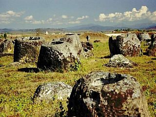 Planina džbánů - Plains of Jars (Laos)