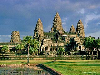 Jedním zvůbec nejznámějších míst světa je bezesporu bývalé hlavní město Khmerské říše Angkor, který je několikanásobně větší než například Tikal v Guatemale. Na rozsáhlém prostoru najdete více než tisícovku různých staveb, které připomínají někdejší slavnou historii. Město bylo houfně opouštěno...