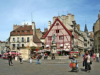 Dijonská hořčice pochází ze středověkého města (Francie)