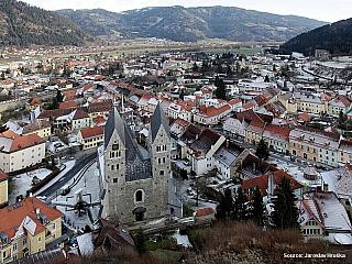 Malebné městečko Friesach v Korutanech (Rakousko)