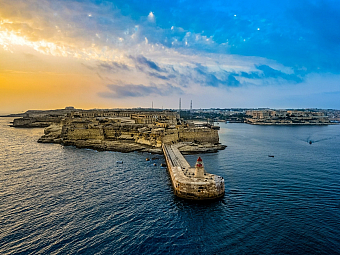 Pevnost Rinella chránila vjezd do The Grand Harbour (Malta)