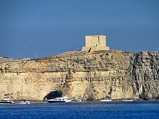 Comino – nejmenší obydlený ostrov Malty (Malta)