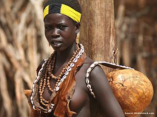Když vkročíte na rozsáhlé území národního parku Mago vjihozápadní Etiopii, vkročili jsme i na půdu Bodyů. Do míst, kde končí civilizace a začíná skutečná příroda. Národní park leží na východním břehu řeky Omo, rozkládá se na ploše 2162 kilometrů čtverečních. Žijí zde různé kmeny, z nichž...