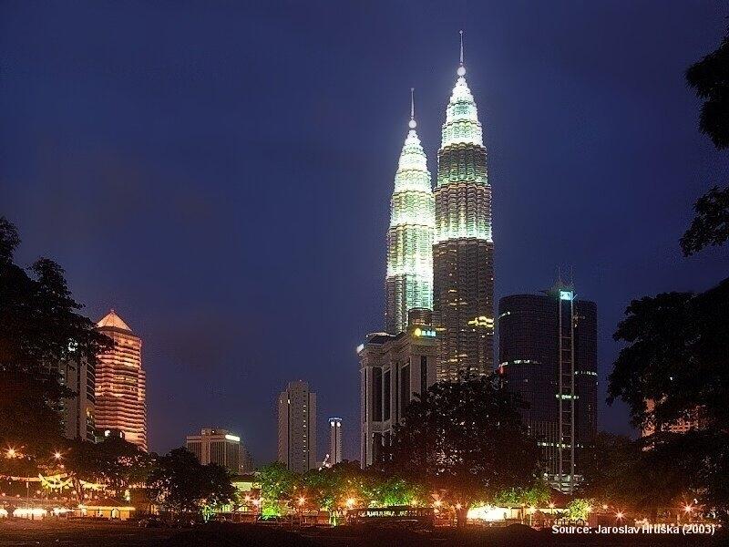 Petronas Twin Towers - 6 let nejvyšší budovy světa