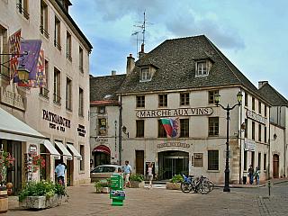 Po stopách Keltů a všudypřítomné víno v Beaune (Francie)