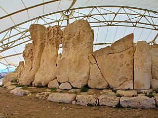 Hagar Qim – jeden z nejzachovalejších pravěkých chrámů (Malta)