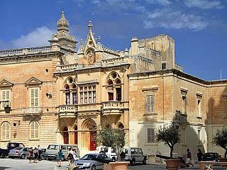 Tichá Mdina je považována za nejkrásnější město Malty (Malta)