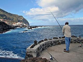 Porto Moniz je jednou z nejstarších obcí na Madeiře (Portugalsko)