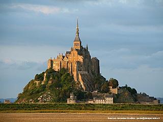 FRANCIE (Francie)