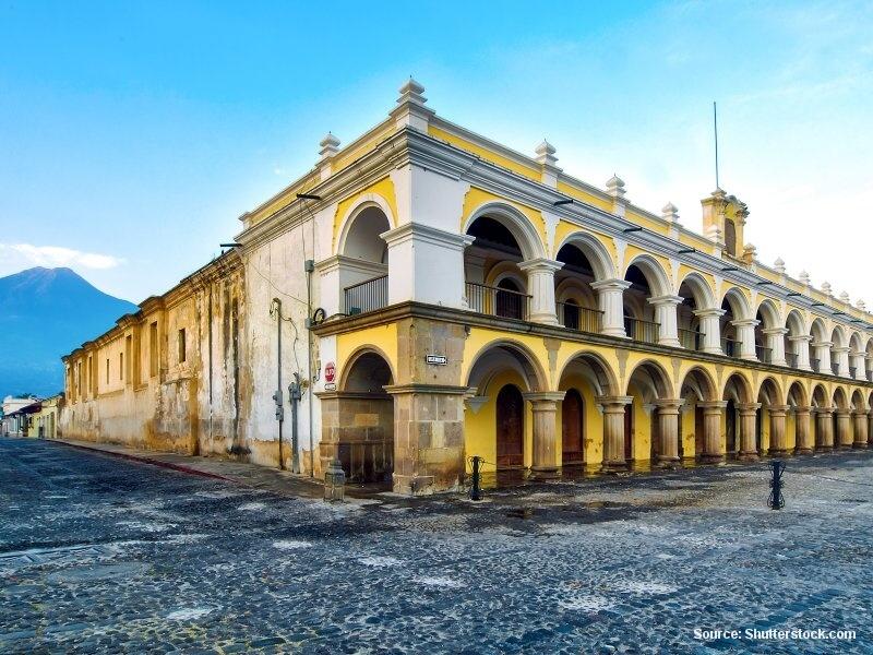 Antigua - starobylé guatemalské město