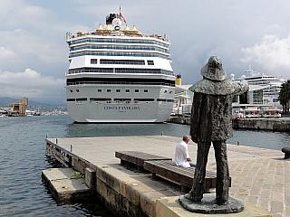 Savona - přístavní město (Itálie)