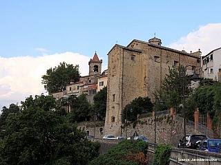 Fosdinovo zve k toulkám do přírody i rozhledům na Toskánsko (Itálie)