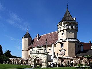 Renesanční zámek Rosenburg (Rakousko)