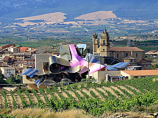 Elciego – vinařství Bodegas Marquéz de Riscal (Španělsko)