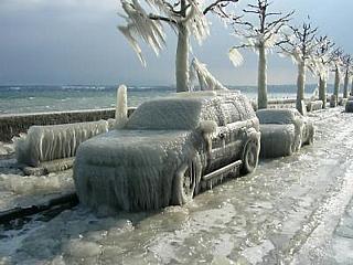 Zima u Ženevského jezera (Švýcarsko)