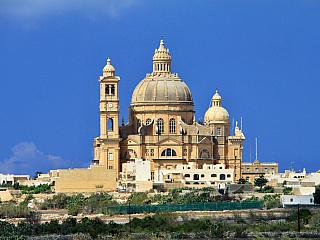 Xewkija – malé městečko s velkou kopulí (Malta)
