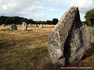 Bretaňský Carnac nejsou jen slavné megality (Francie)
