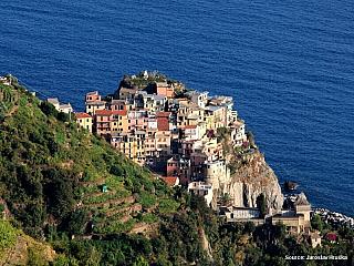 Pobřeží Cinque Terre nabízí klid a romantická zákoutí (Itálie)