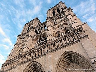 Katedrála Notre Dame v Paříži (Francie)
