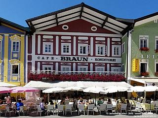 Mondsee - malebné městečko a jezero (Rakousko)