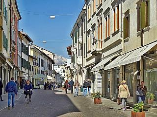 Pordenone - město se zajímavou architekturou (Itálie)