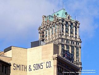 Starý mrakodrap Book Tower v Detroitu (Spojené státy americké)
