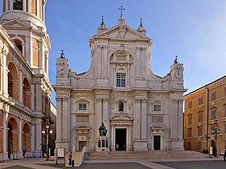 Loreto - slavné poutní místo v Itálii (Itálie)