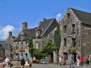 Historická vesnice Locronan (Bretaň - Francie)