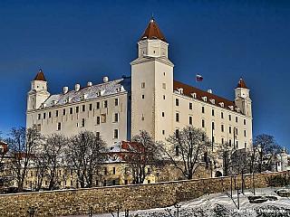 Bratislava, hlavní město Slovenska, je jedním znejmladších hlavních měst Evropy, přitom má za sebou ale velice bohatou historii. Půlmilionové město totiž leží bezprostředně vedle řeky Dunaj, která byla křižovatkou mnoha obchodních cest. Vůbec první stopy osídlení tohoto místa sahají až do...