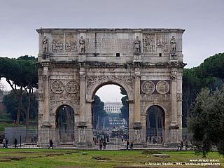 Konstantinův vítězný oblouk v Římě (Itálie)