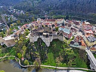 Hrad Loket je jedním z nejslavnějších českých hradů (Česká republika)