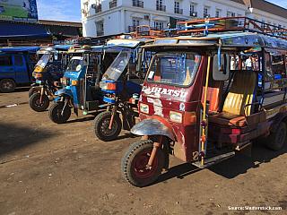 Laos - Ubytování a doprava (Laos)