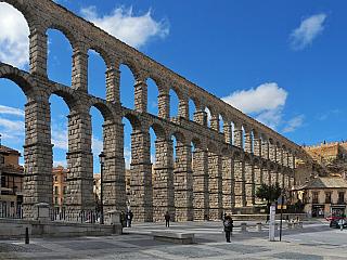 Fotogalerie Segovia – akvadukt, katedrála a pohádkový hrad (Španělsko)