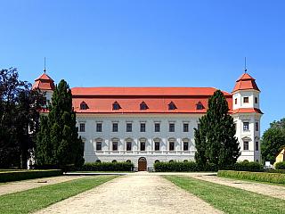 Barokní zámek Holešov na Kroměřížsku (Česká republika)