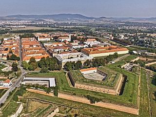 Terezín je při dnešní návštěvě hodně ponurým místem (Česká republika)