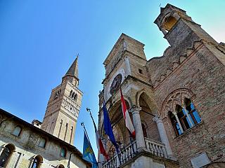Pordenone nabízí středověkou podívanou doslova na každém kroku (Itálie)
