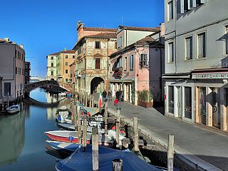 Benátky v malém, přesně to je Chioggia (Itálie)