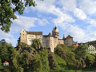 Loket: český klenot Slavkovského lesa (Česká republika)