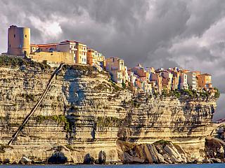 Ekonomika a turistika na Korsice (Francie)