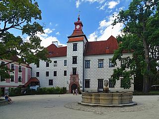 Renesanční Zámek Třeboň (Česká republika)