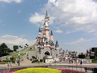 Disneyland v Paříži (Francie)