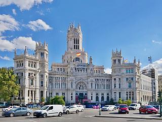 Palacio de Cibeles v Madridu (Španělsko)