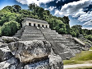 Palenque – bývalé mayské centrum jižního Yucatánu (Mexiko)