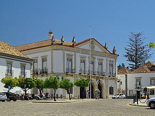Faro je hlavním městem regionu Algarve (Portugalsko)