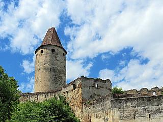 Hrad Seebenstein, jeden z nejkrásnějších rakouských hradů (Rakousko)