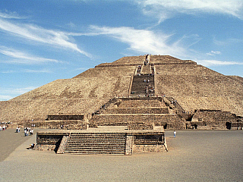 Teotihuacán je skvostem mezi aztéckými památkami (Mexiko)