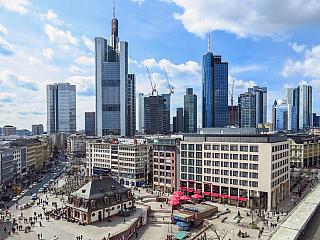 Frankfurt je hesenskou metropolí (Německo)