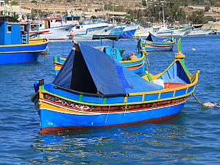 Video rybářské město Marsaxlokk (Malta)