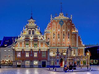 Lotyšská republika, mnohem častěji nazývaná kratším názvem Lotyšsko, je jednou ze tří pobaltských zemí. Bývalá sovětská republika je samostatná od roku 1991 a dnes už dávno není jen chudou bývalou součástí někdejšího carského impéria. Rozhodně stojí za návštěvu a my si nyní povíme, proč tomu tak...
